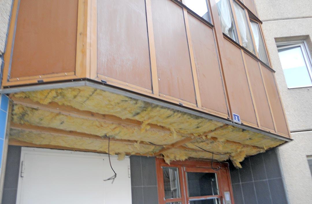Habillage sous-façe entrée immeuble avant