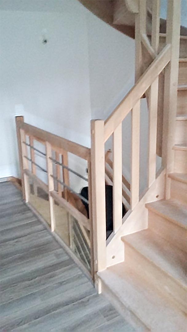 Pose escalier tube inox garde-corps-remplissage verre partie basse