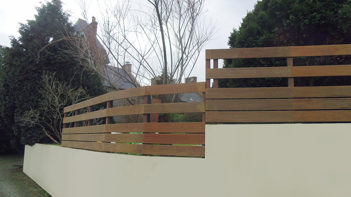 Dinard, pose d'une clôture-2